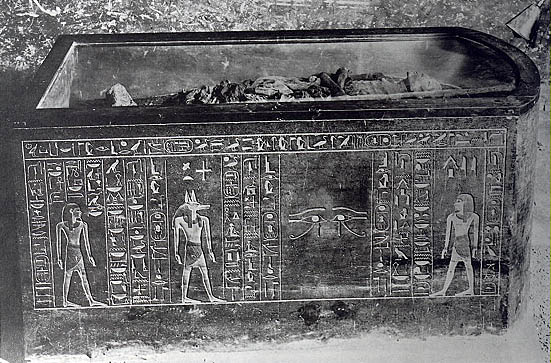 The mummy of Amenhotep II in the king's original sarcophagus (Source: The Theban Royal Mummy Project).