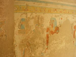 Relief scene in which the Queen is depicted with the side-braid of youth (Source: Yare Egyptology).