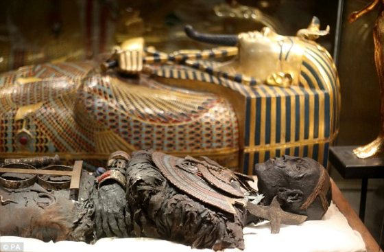 The exhibition is filled with exact replicas of the contents of Tutankhamun's tomb (Source: Daily Mail).