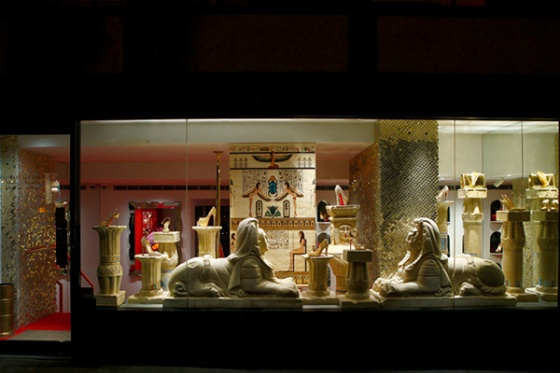Another of the Louboutin window displays (Source: Refinery 29).